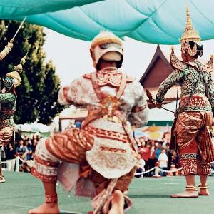 thai-sword-dance-m